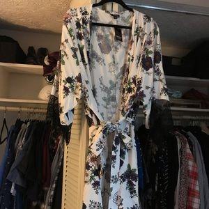 Torrid Floral Eyelash Lace Robe Size 3/4